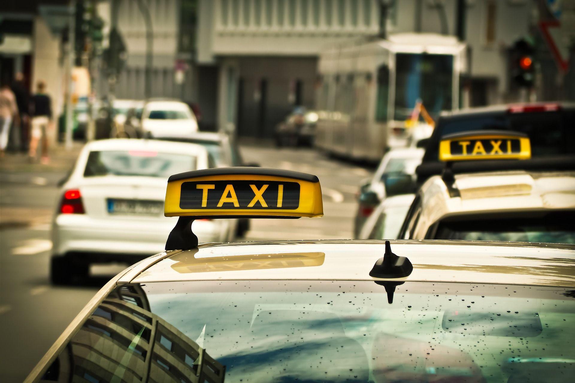 На такси из Дубаи в аэропорт