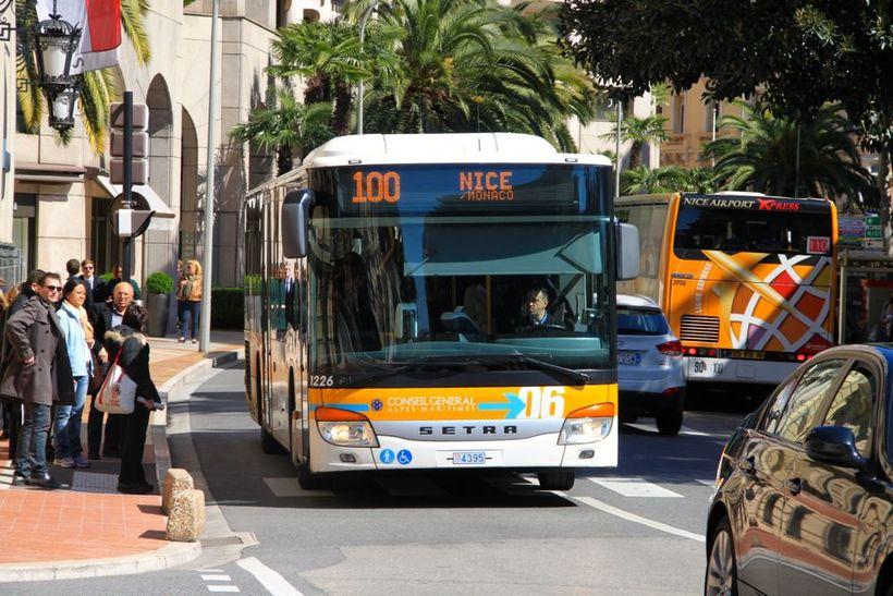 Из аэропорта Ниццы в город на автобусе