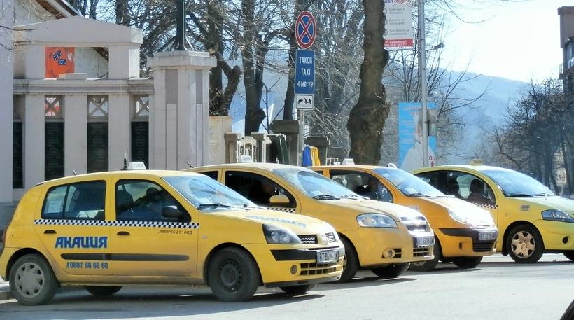 На такси из аэропорта Варны до отеля
