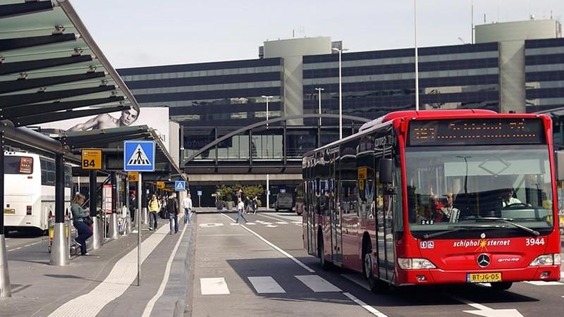 Автобус из Схипхол в Амстердам