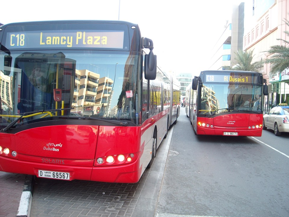 На автобусе из аэропорта в Дубаи