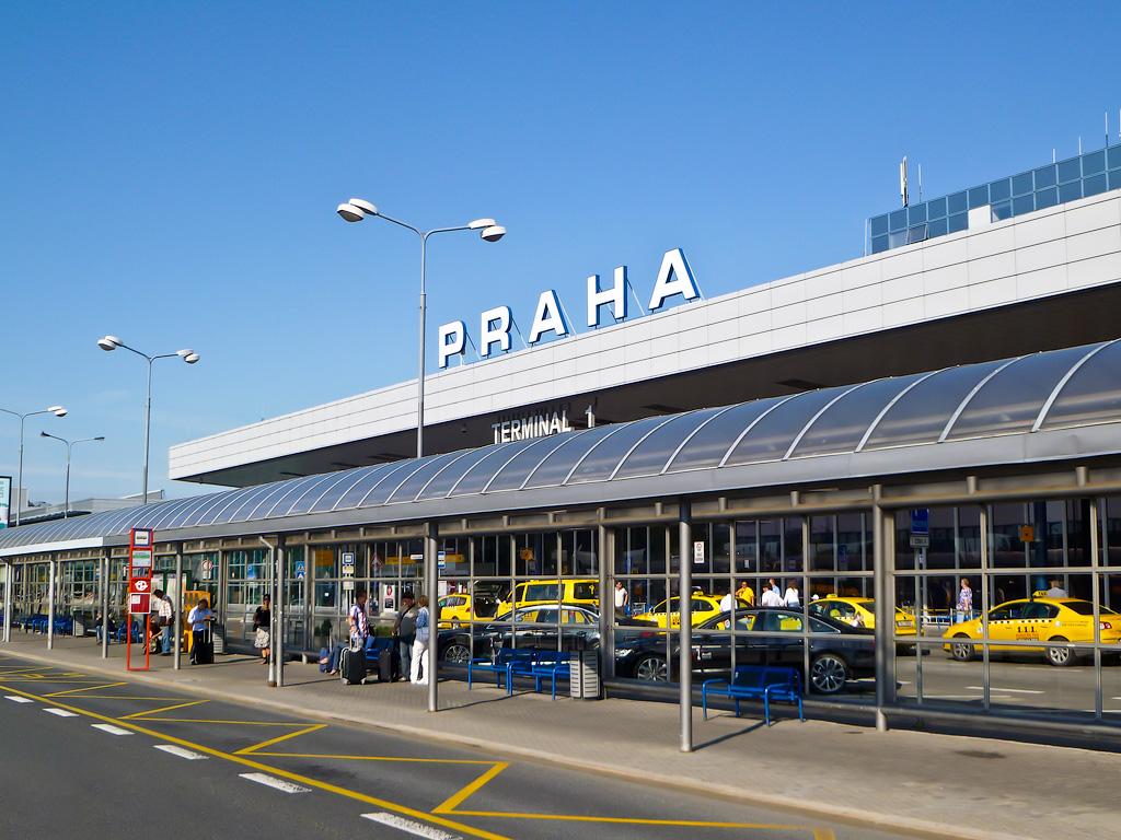 Из аэропорта Праги на такси в отель
