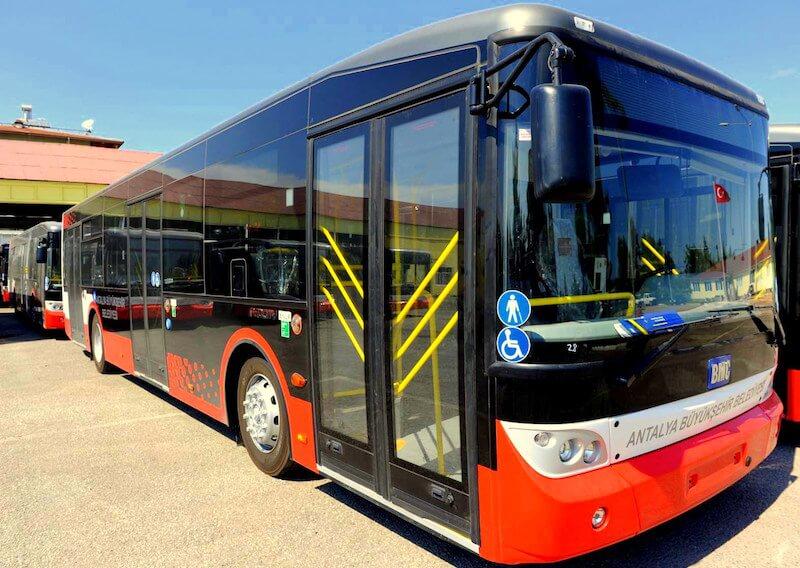 Автобус из аэропорта Анталии в город