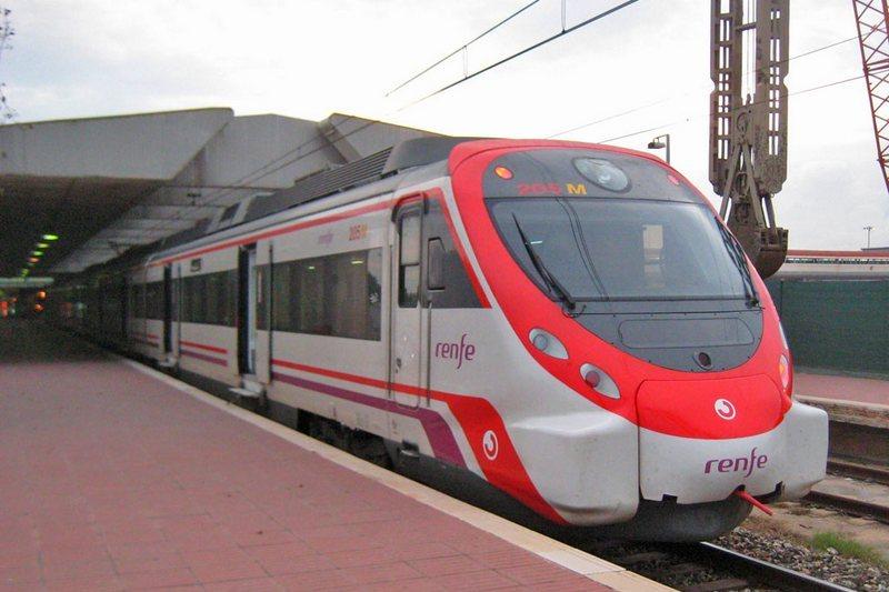 Поезд RENFE из аэропорта Барселоны