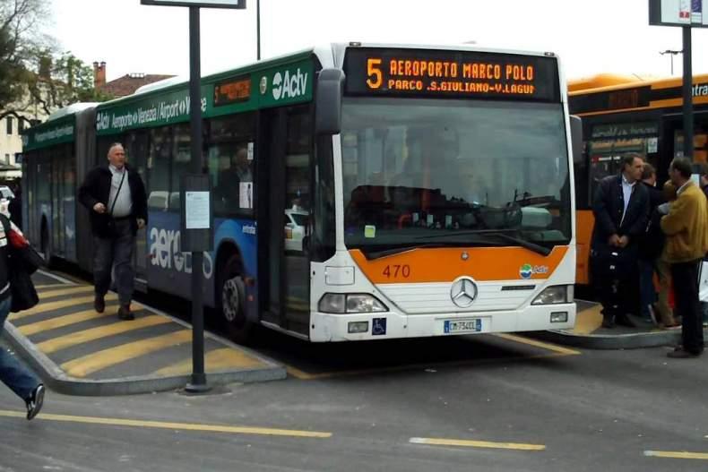 Из аэропорта Марко Поло в город на автобусе