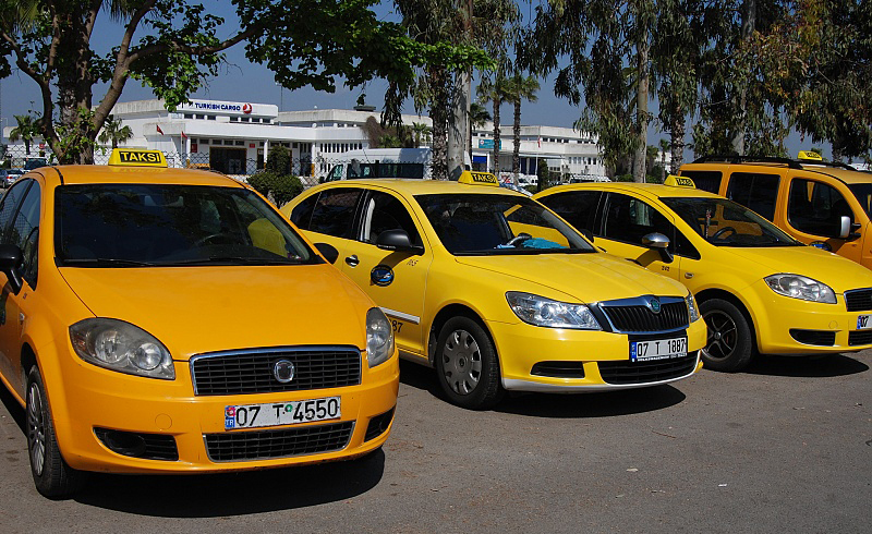 Как взять такси в аэропорту Анталии?