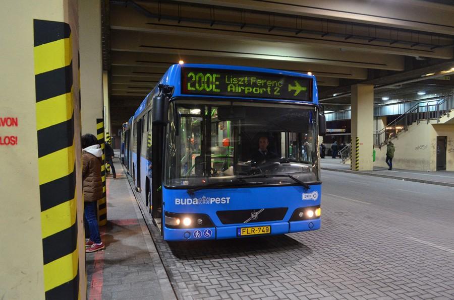 Из аэропорта Будапешта на автобусе 200E