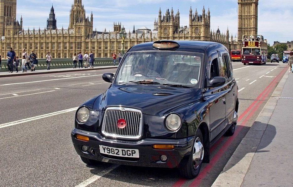 Такси из аэропорта Гатвик в Лондон