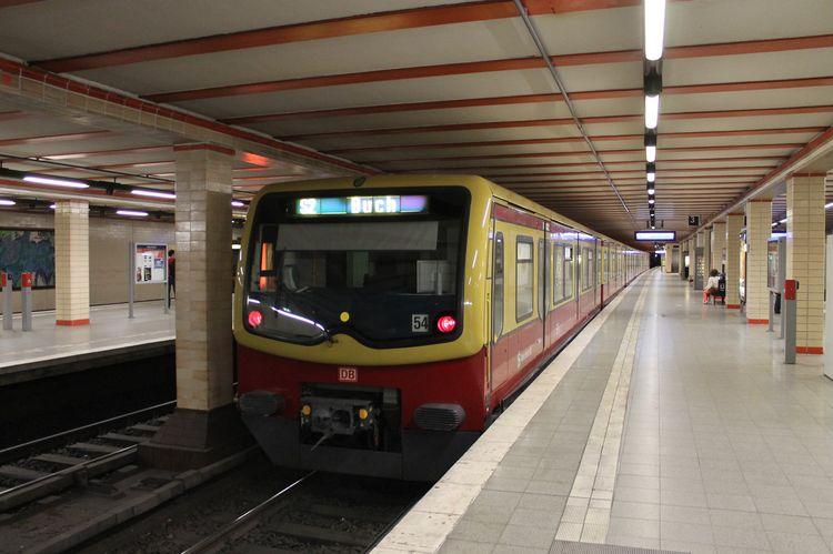 Поезд из аэропорта Шенефельд в Берлин