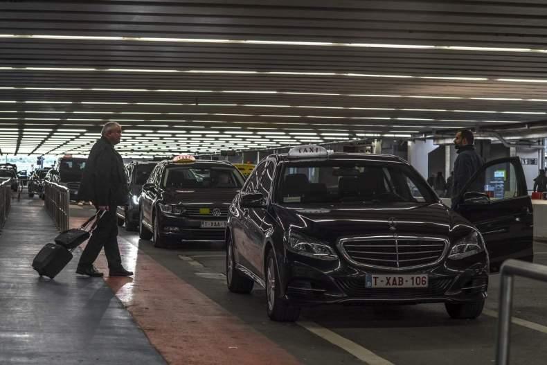 Такси из аэропорта Шарлеруа в Брюссель