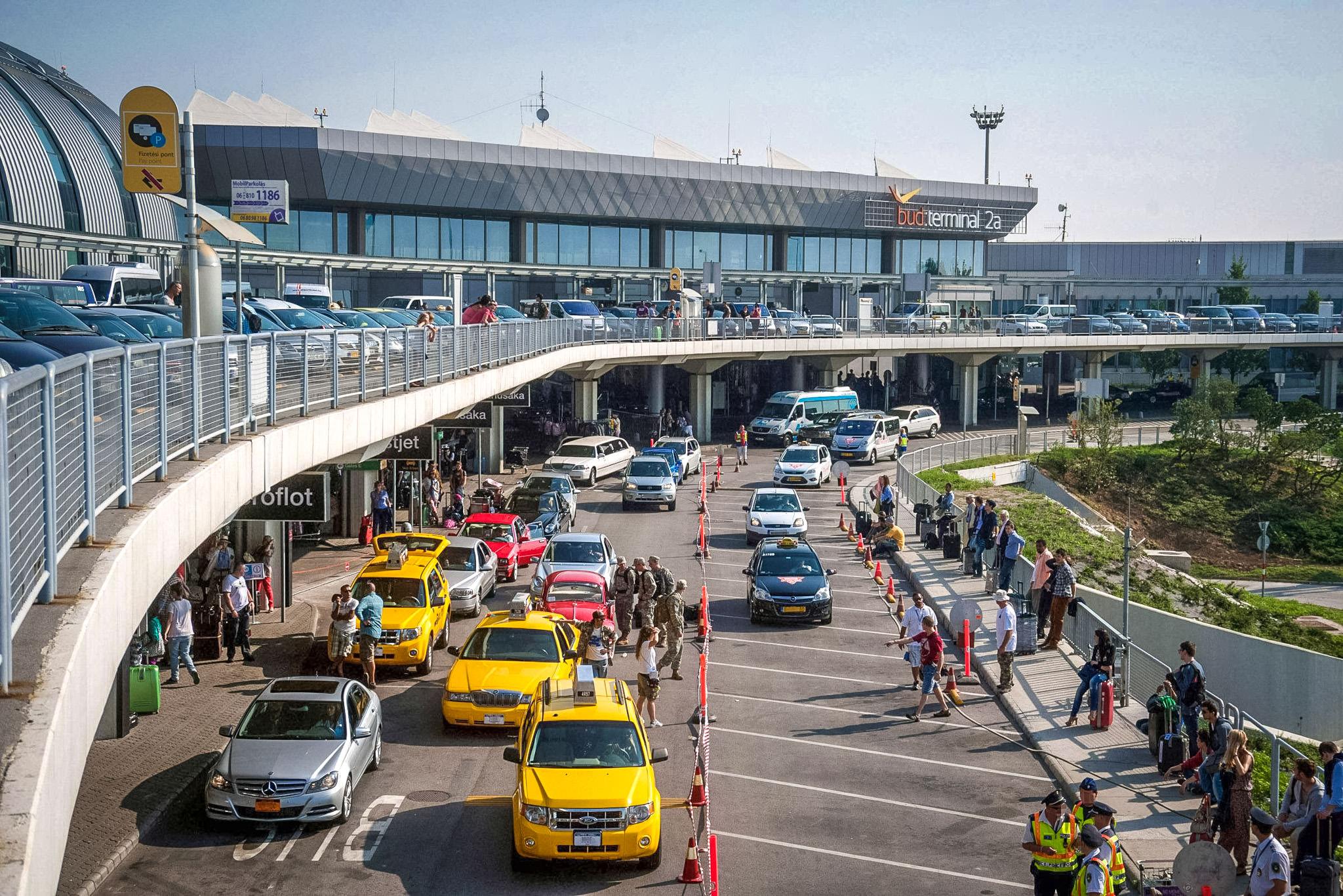 Такси из аэропорта Будапешта в город