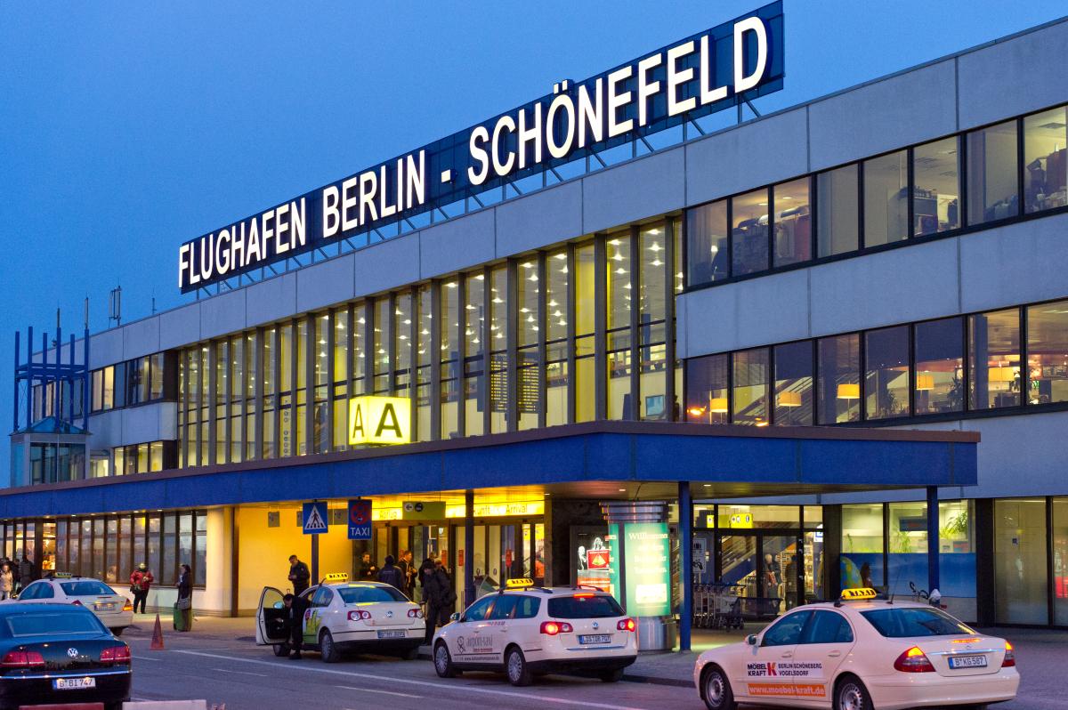 Такси из аэропорта Шенефельд в Берлин