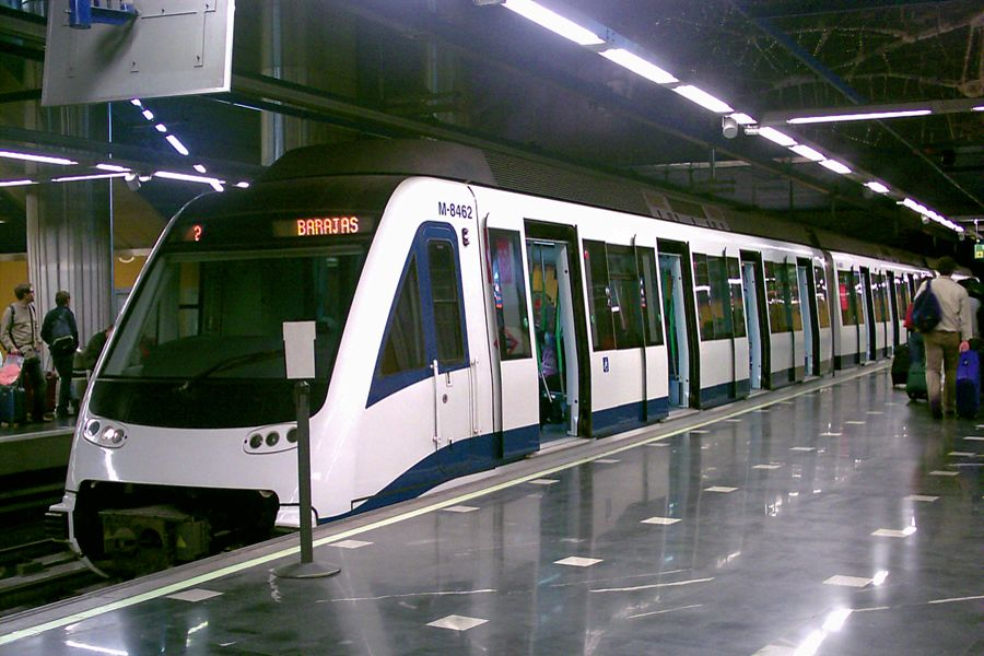 Метро из аэропорта Барахас в Мадрид