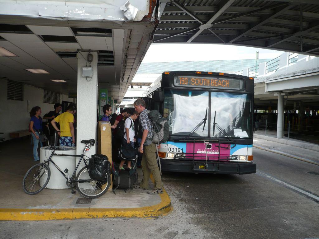 Автобус из аэропорта в Майами