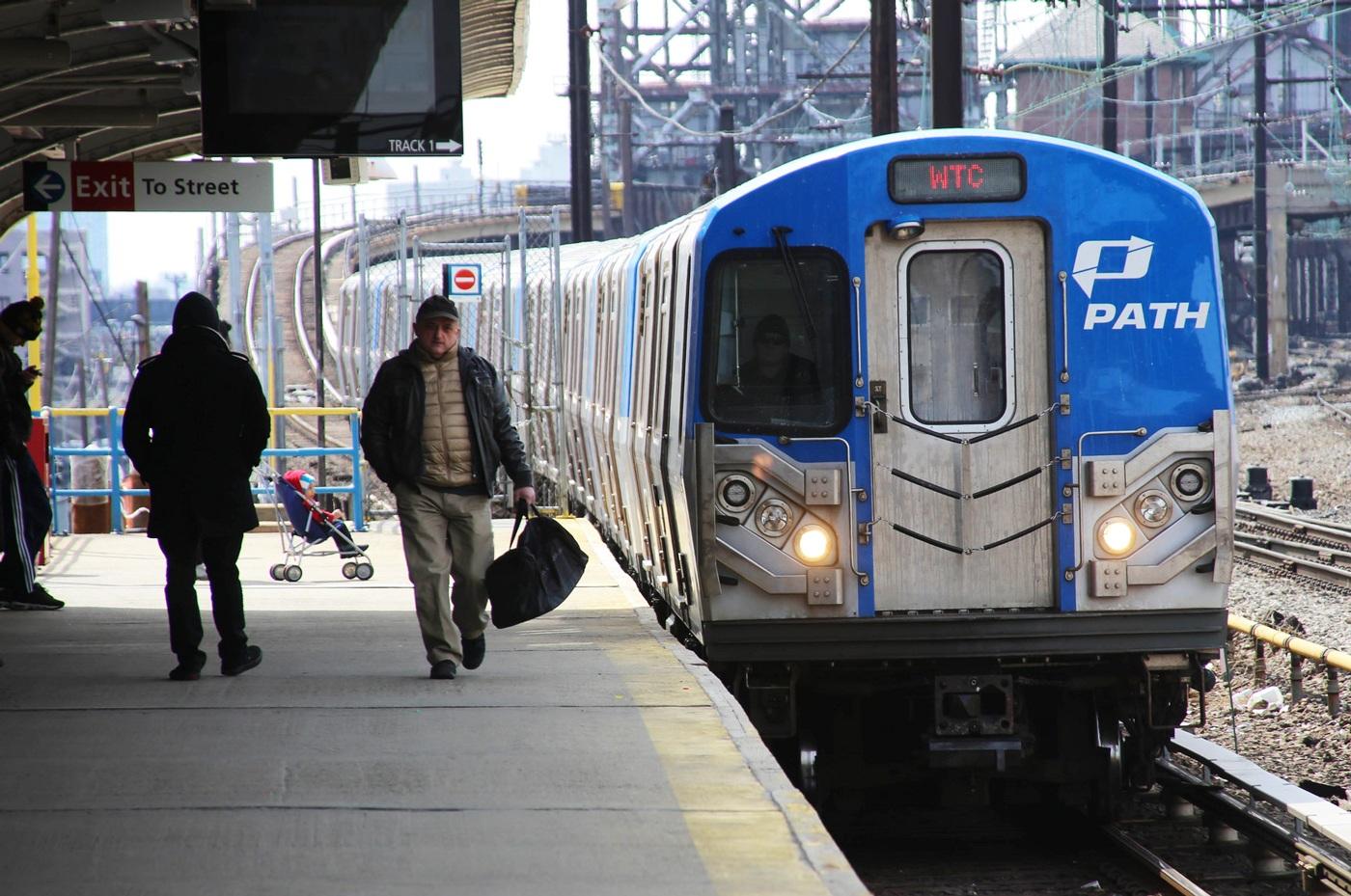 Поезд из аэропорта Нью Йорка в город