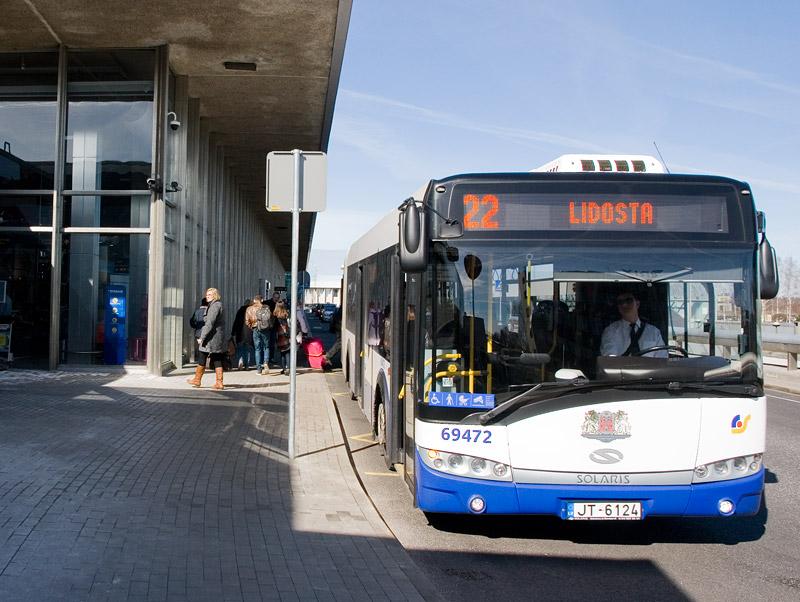 Автобус 22 из аэропорта Риги в город