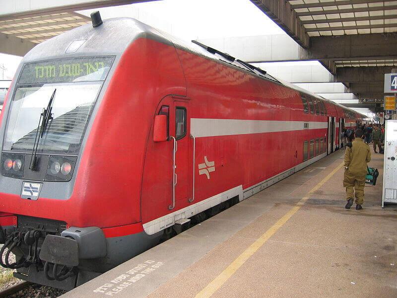 Поезд из аэропорта Бен-Гурион в Тель-Авив