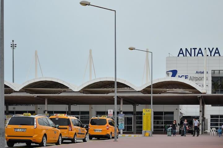 Такси из аэропорта Анталии в Кемер