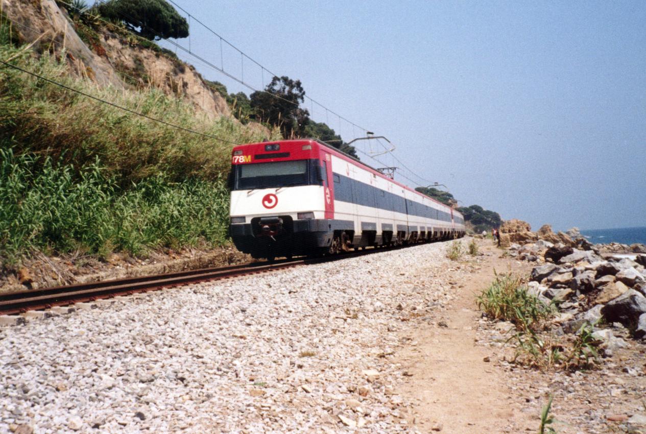 Поезд из Барселоны вЛлорет де Мар