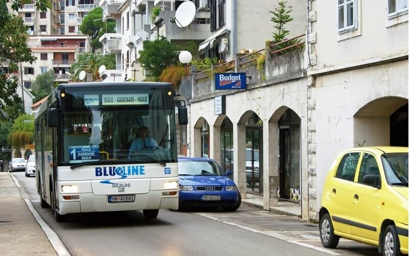 Автобус из аэропорта Тивата в Свети Стефан