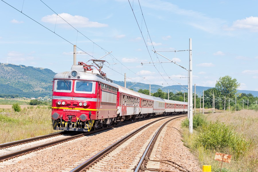 Поезд из Бургаса в Софию