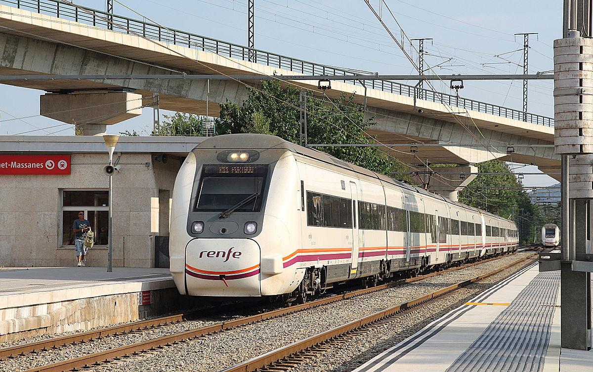 Поезд из аэропорта Барселоны до вокзалаСантс