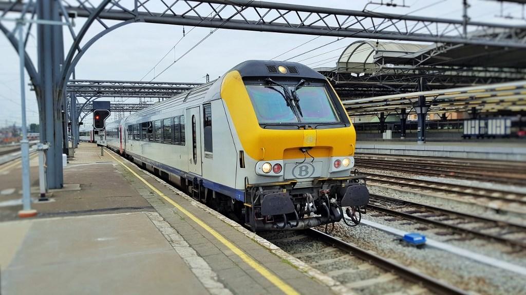 Поезд Брюссель - Брюгге